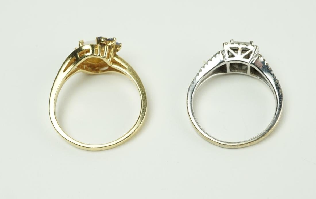 (2) ASSORTED GOLD RINGS - 4