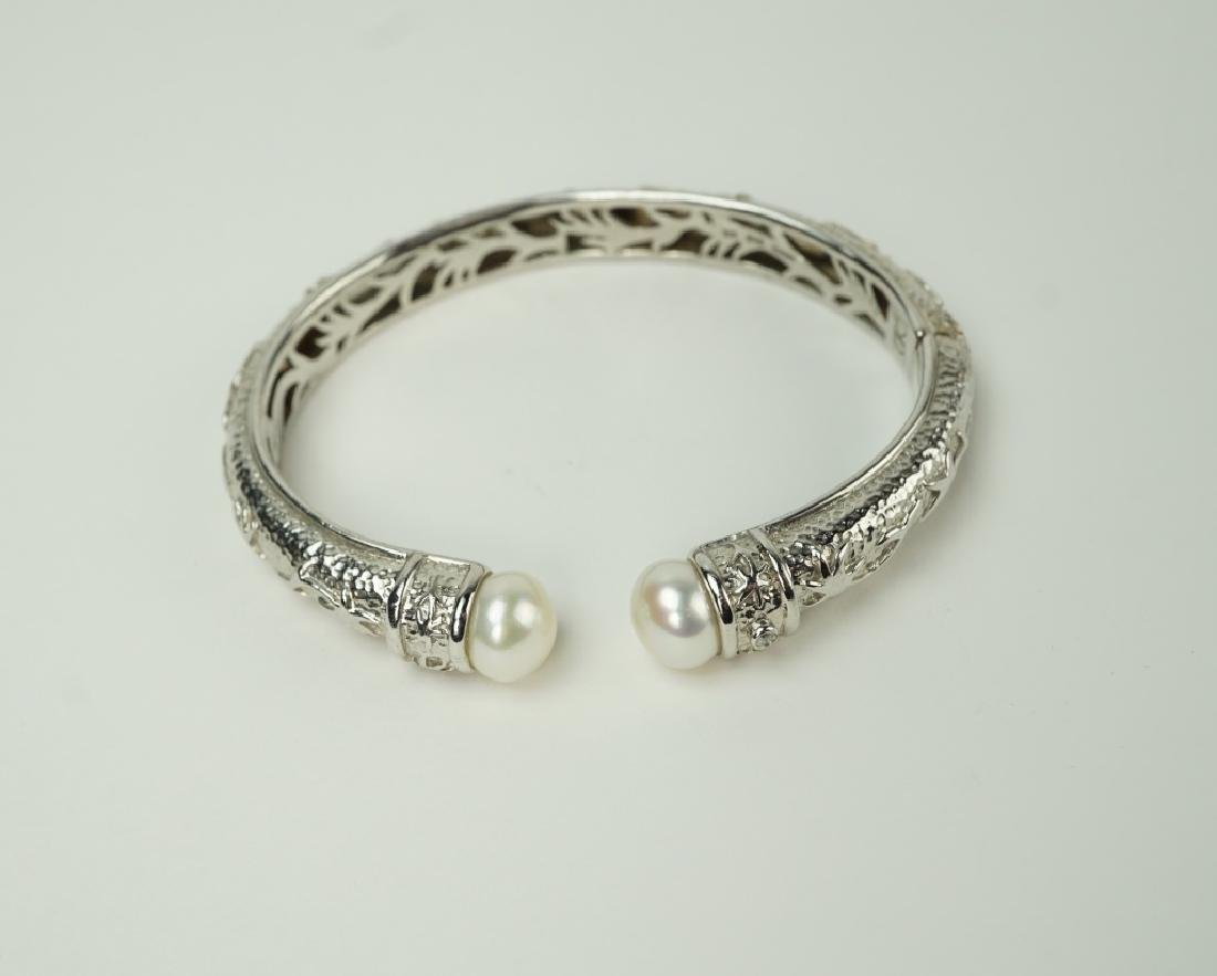 KN STERLING SILVER & PEARL-TIPED HINGED BRACELET - 4