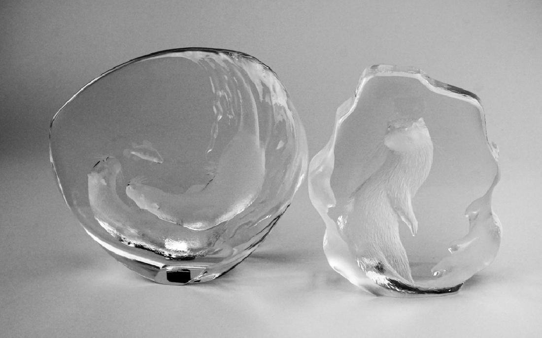 (2) MATS JONASSON CRYSTAL OTTER SCULPTURES - 2