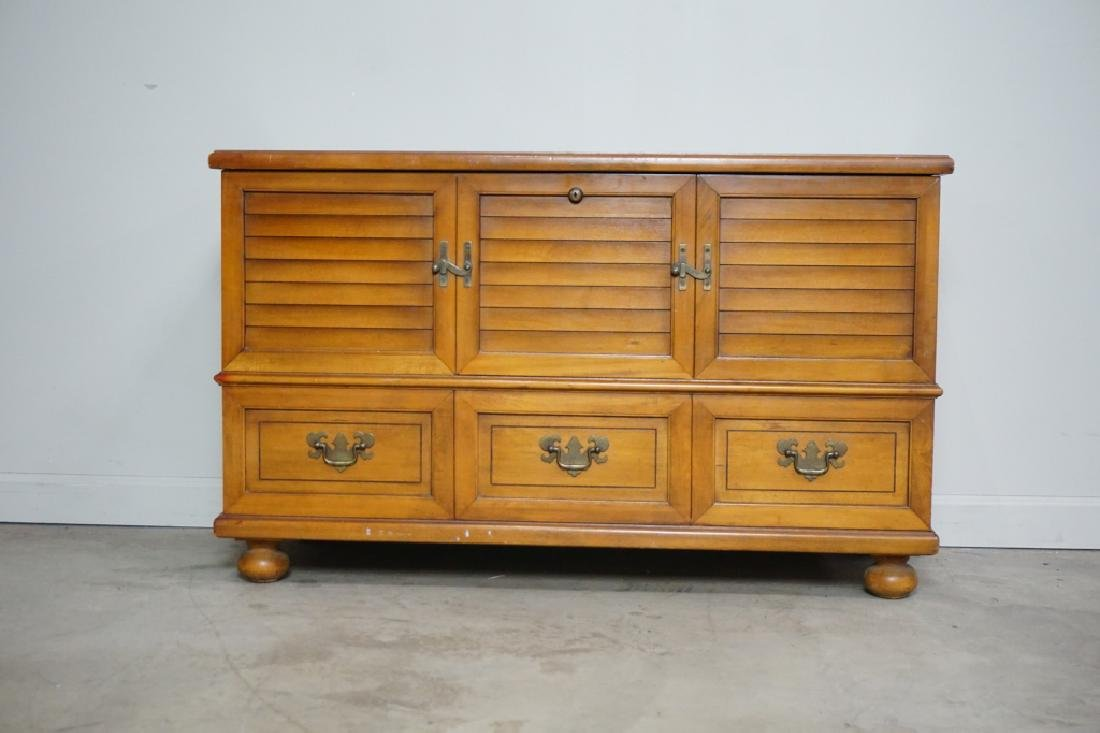 MAPLE LANE CEDAR CHEST - 2