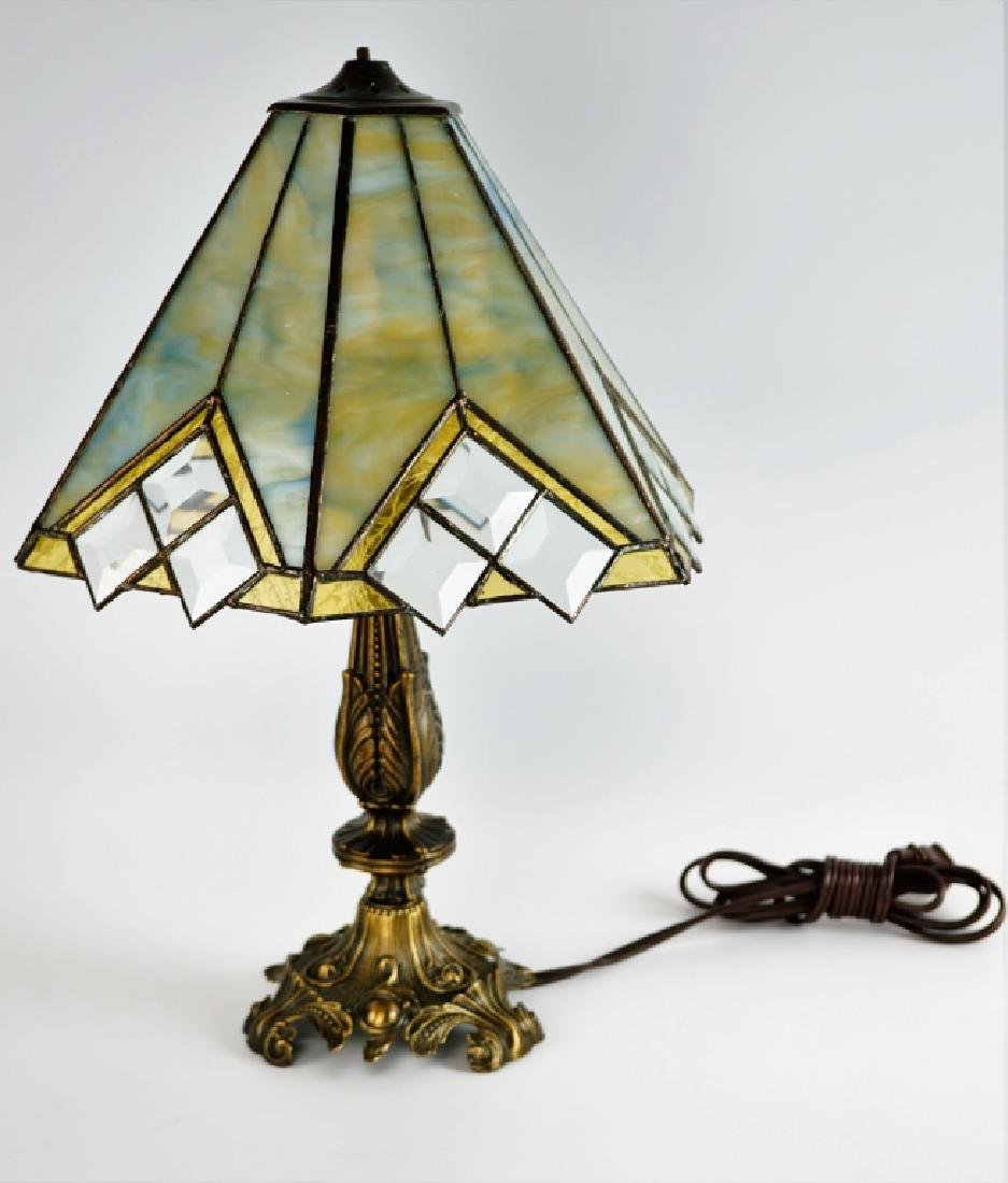 TABLE LAMP WITH LEADED GLASS SHADE