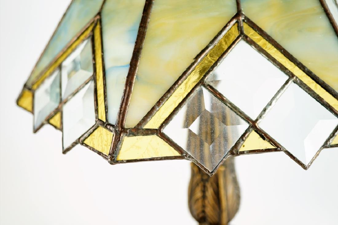 TABLE LAMP WITH LEADED GLASS SHADE - 3