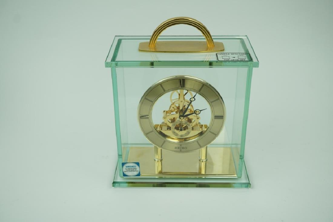 VINTAGE SEIKO BRASS AND GLASS MANTLE CLOCK - 2