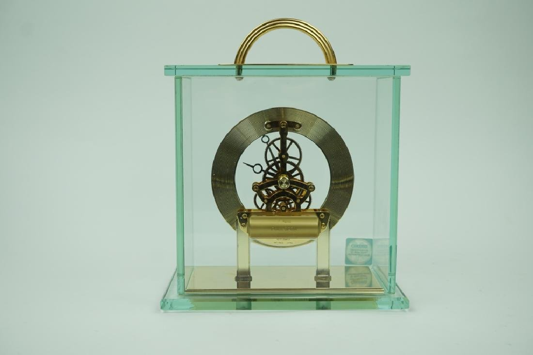 VINTAGE SEIKO BRASS AND GLASS MANTLE CLOCK - 3