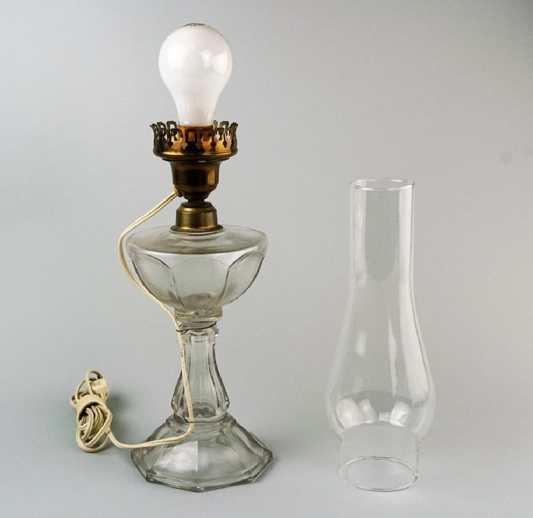 VINTAGE ELECTRIFIED OIL LAMP - 4