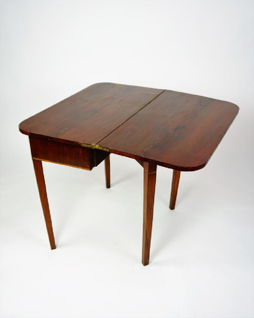 EMPIRE MAHOGANY LIFT TOP GAME TABLE