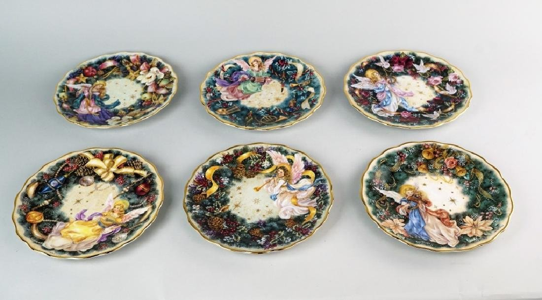 "6pc LENA LIU ""HOLIDAY ANGELS"" PLATE SET"