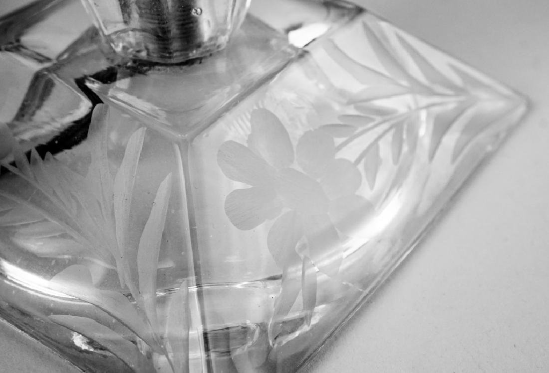 ETCHED GLASS TABLE LAMP - 4