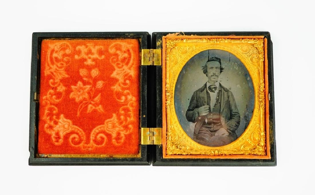 ANTIQUE DAGUERREOTYPE IN UNION CASE - 2