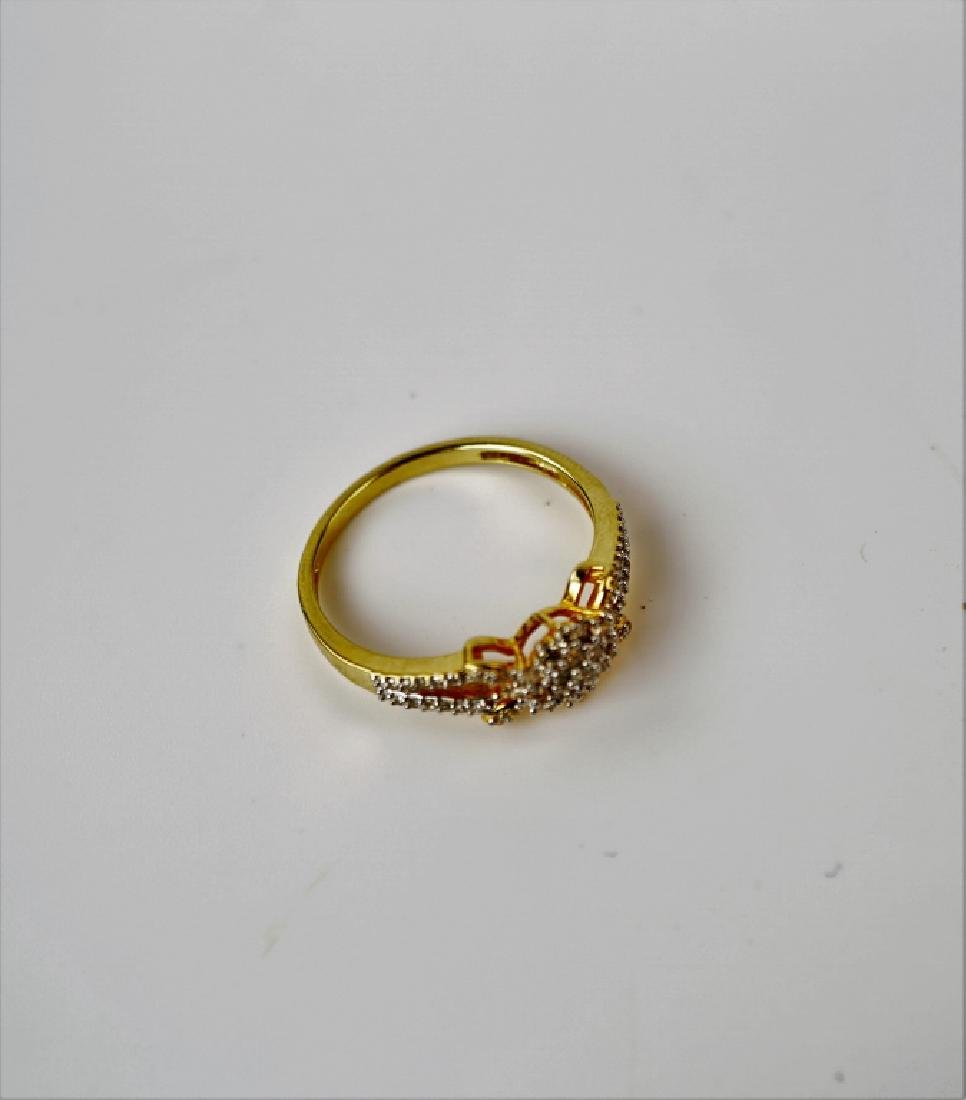 14K YELLOW GOLD AND DIAMOND FASHION RING