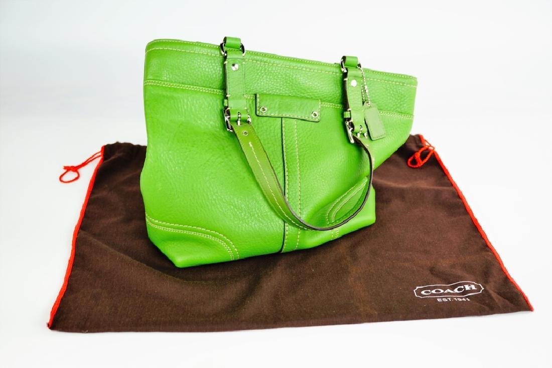 GREEN LEATHER COACH SHOULDER HANDBAG