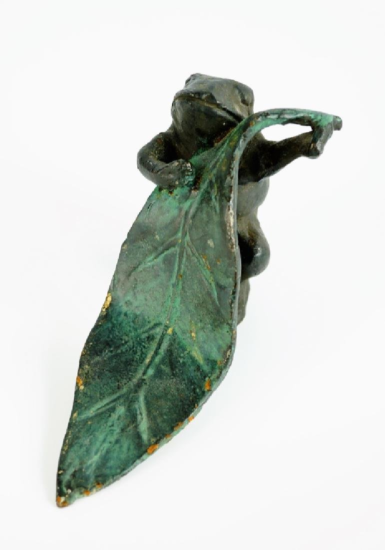 CAST IRON FROG AND LEAF STATUE - 3