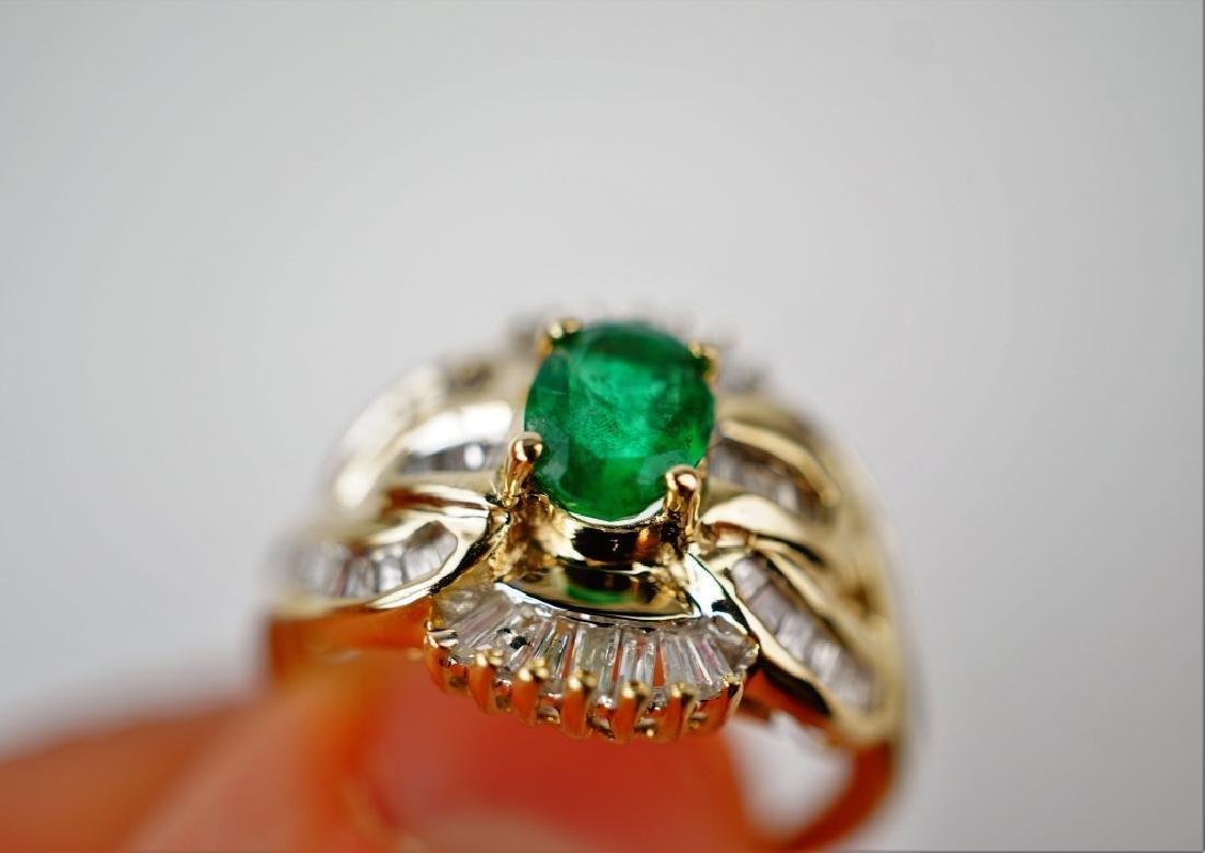 10K YELLOW GOLD EMERALD & DIAMOND RING - 8