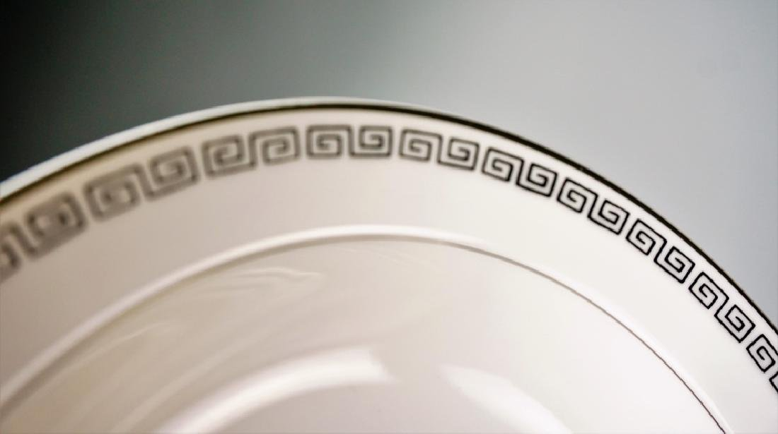 85pc CROWN EMPIRE CHINA MARQUIS DINNER SERVICE - 2