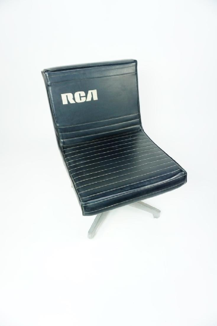 RCA BLACK VINYL CHAIR