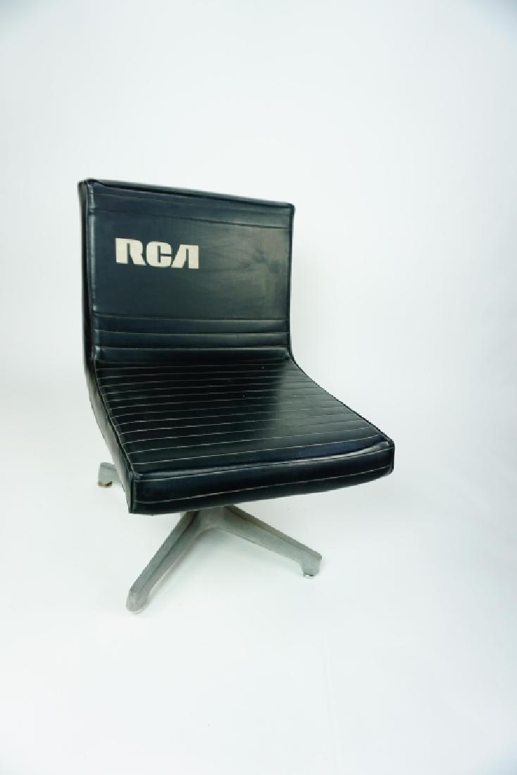 RCA BLACK VINYL CHAIR - 3