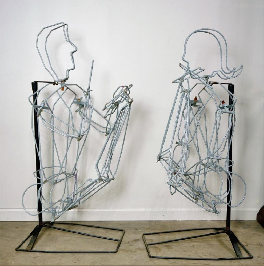 (2) FREE FORM WIRE MANNEQUINS ON STANDS
