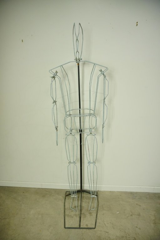 (2) FREE FORM WIRE MANNEQUINS ON STANDS - 9