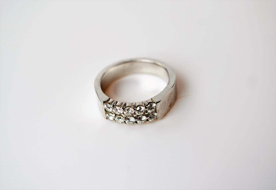 14K WHITE GOLD AND DIAMOND FASHION RING