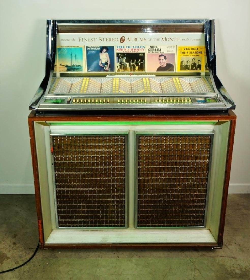 SEEBURG STEREO MODEL LPC-1R CONSOLE JUKEBOX - 2