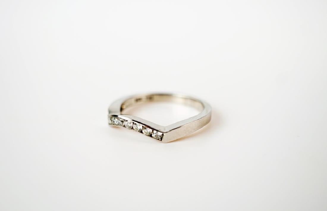 14K WHITE GOLD & DIAMOND FASHION RING - 4