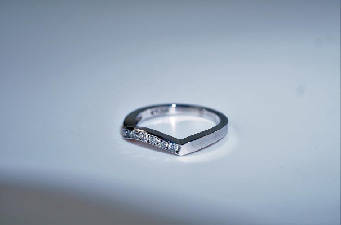 14K WHITE GOLD & DIAMOND FASHION RING - 5