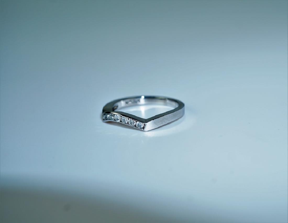 14K WHITE GOLD & DIAMOND FASHION RING - 6