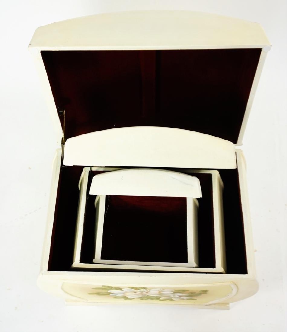 (3) NESTING BOXES - 4