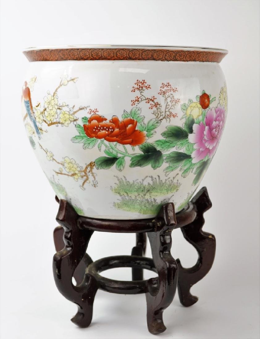 ORIENTAL PROCELAIN FISH BOWL WITH STAND