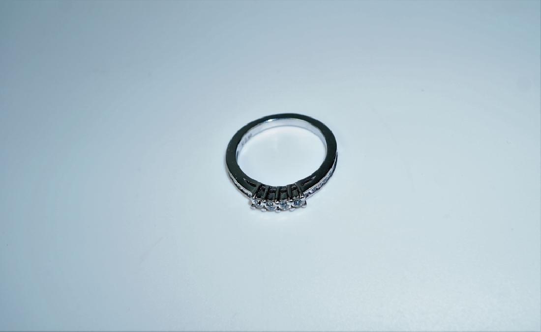 14K WHITE GOLD & DIAMOND BAND RING - 2