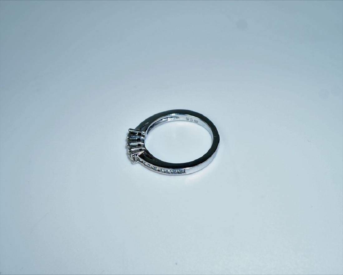 14K WHITE GOLD & DIAMOND BAND RING - 5