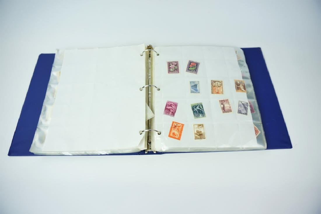 ALBUM OF 600+ ASSORTED HUNGARIAN STAMPS