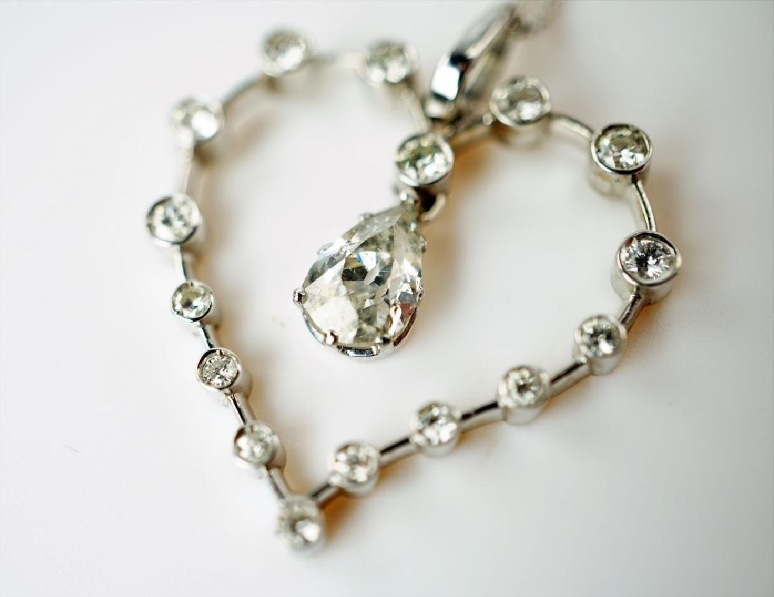 WHITE GOLD DIAMOND HEART PENDANT & NECKLACE