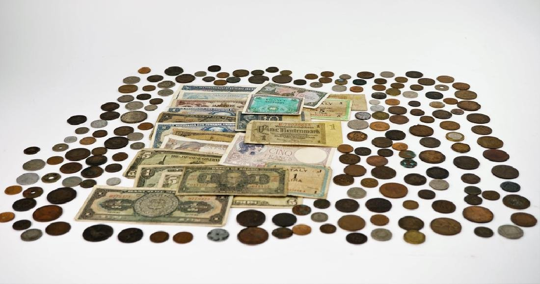 GROUPING OF VINTAGE & ANTIQUE FOREIGN CURRENCY