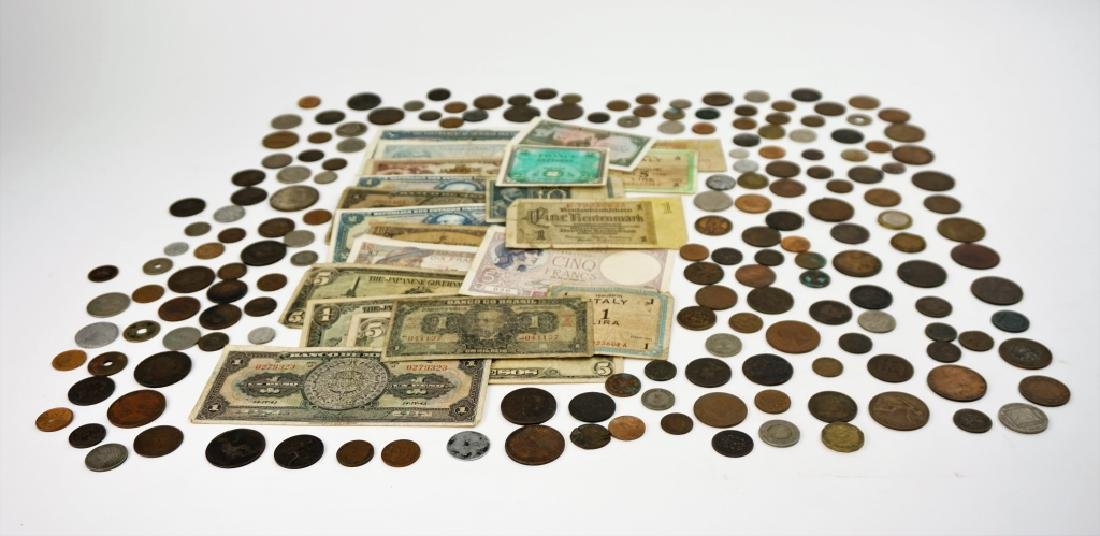 GROUPING OF VINTAGE & ANTIQUE FOREIGN CURRENCY - 2