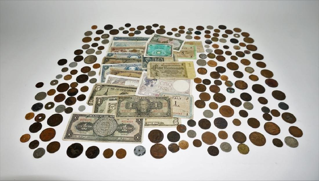 GROUPING OF VINTAGE & ANTIQUE FOREIGN CURRENCY - 3