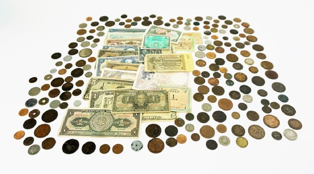 GROUPING OF VINTAGE & ANTIQUE FOREIGN CURRENCY - 4