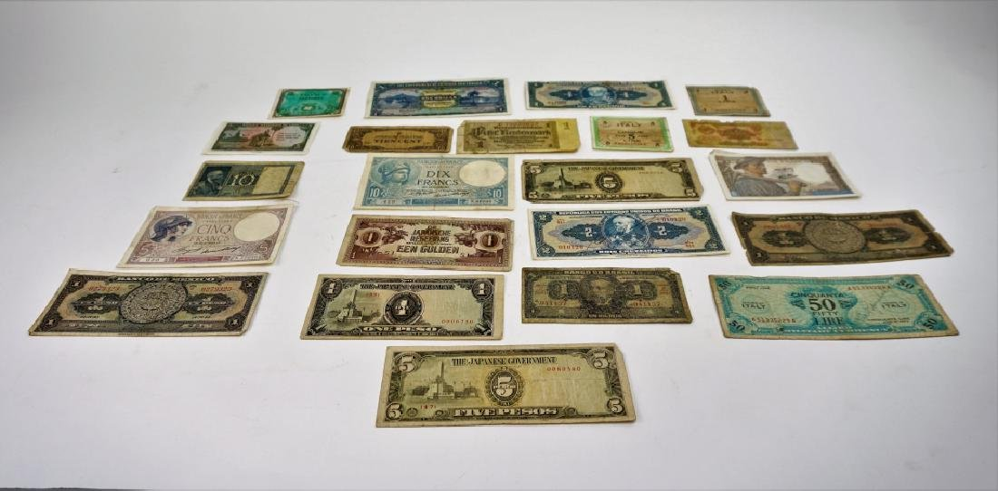 GROUPING OF VINTAGE & ANTIQUE FOREIGN CURRENCY - 5
