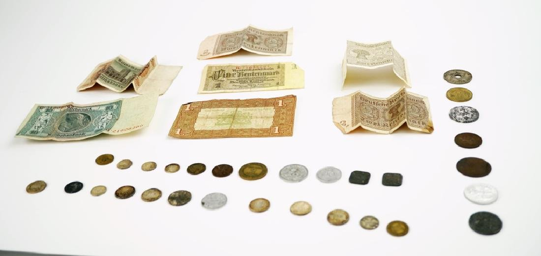ASSORTED VINTAGE FOREGIN COINS & CURRENCY