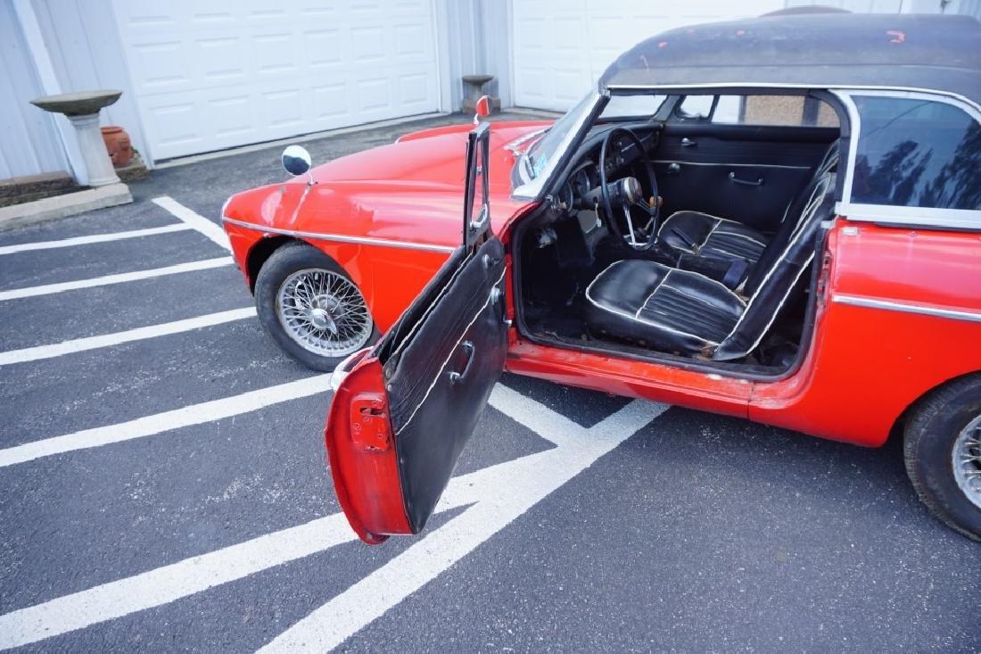 1966 MGB MK1 ROADSTER CONVERTIBLE - 9
