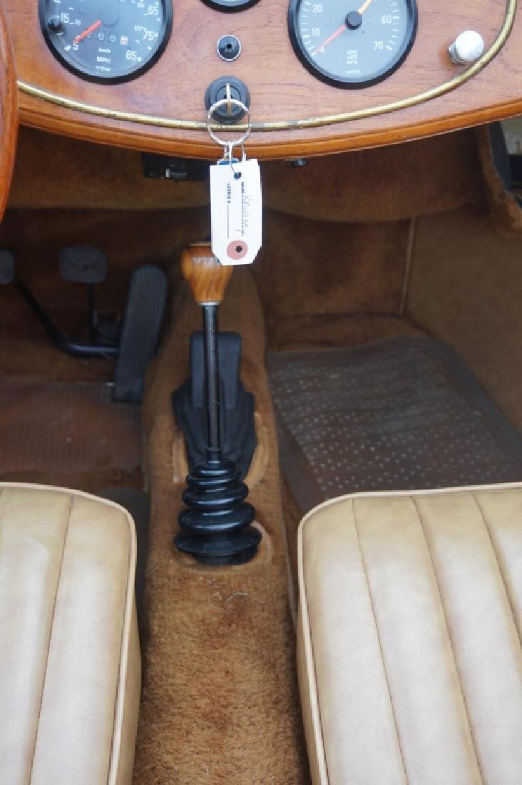 1952 MG TD REPLICA CAR MODEL CONVERTIBLE - 10