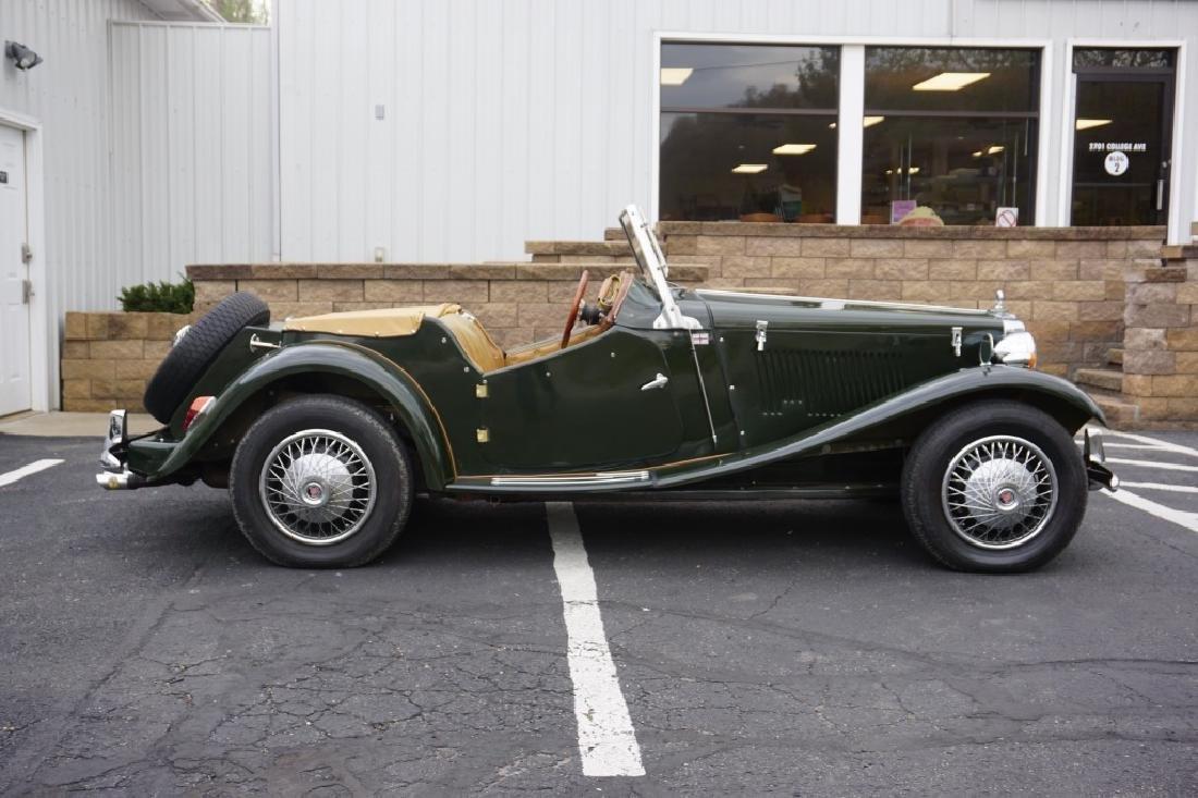 1952 MG TD REPLICA CAR MODEL CONVERTIBLE - 2