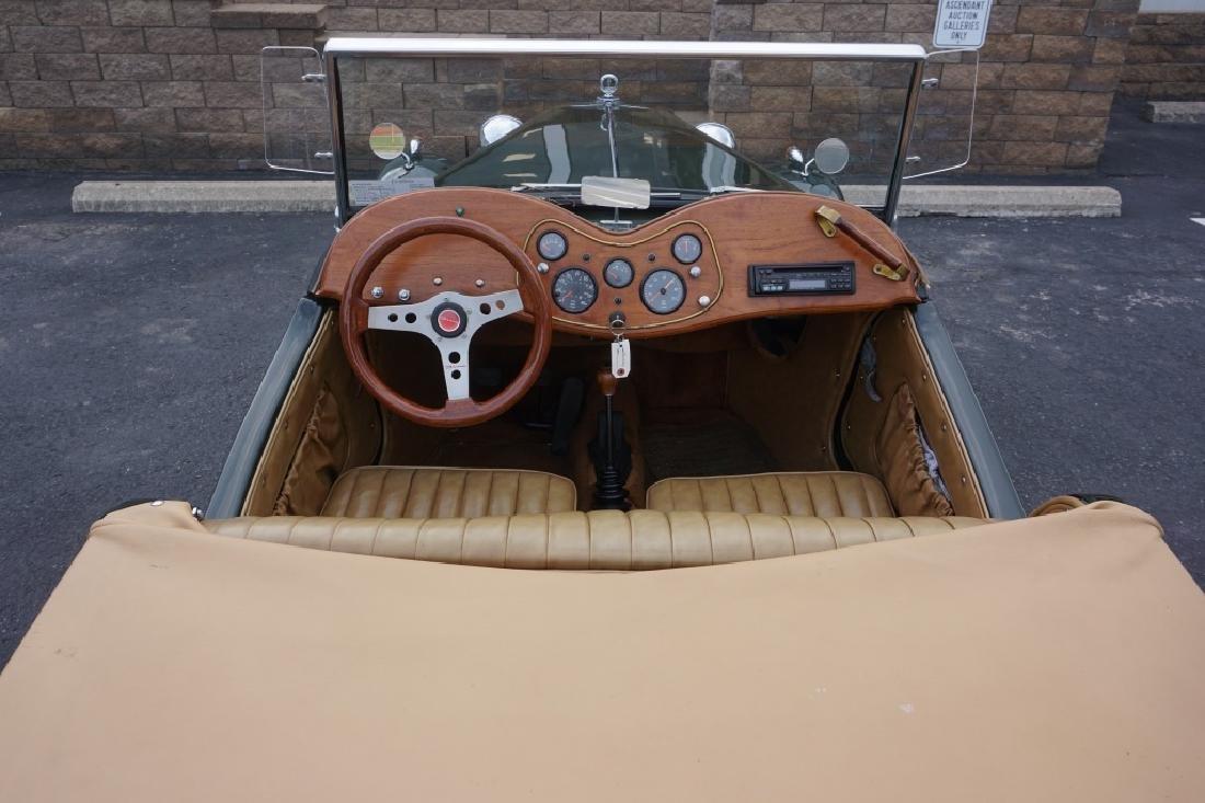 1952 MG TD REPLICA CAR MODEL CONVERTIBLE - 7