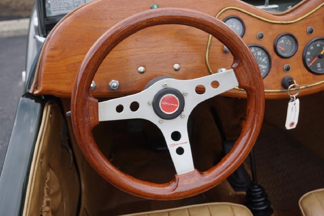 1952 MG TD REPLICA CAR MODEL CONVERTIBLE - 9