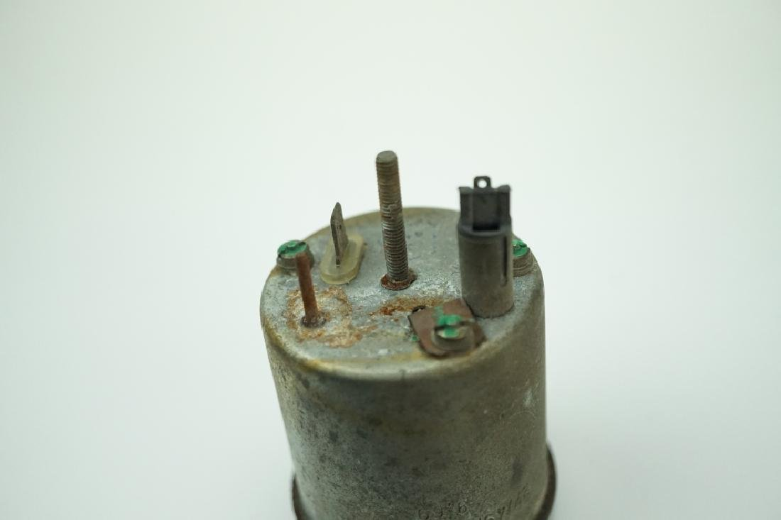 (2) VINTAGE VDO AUTOMOTIVE GAUGES - 6