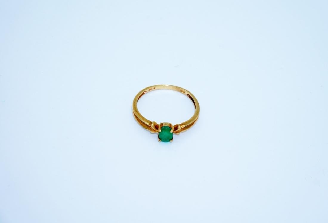 10K YELLOW GOLD & EMERALD RING