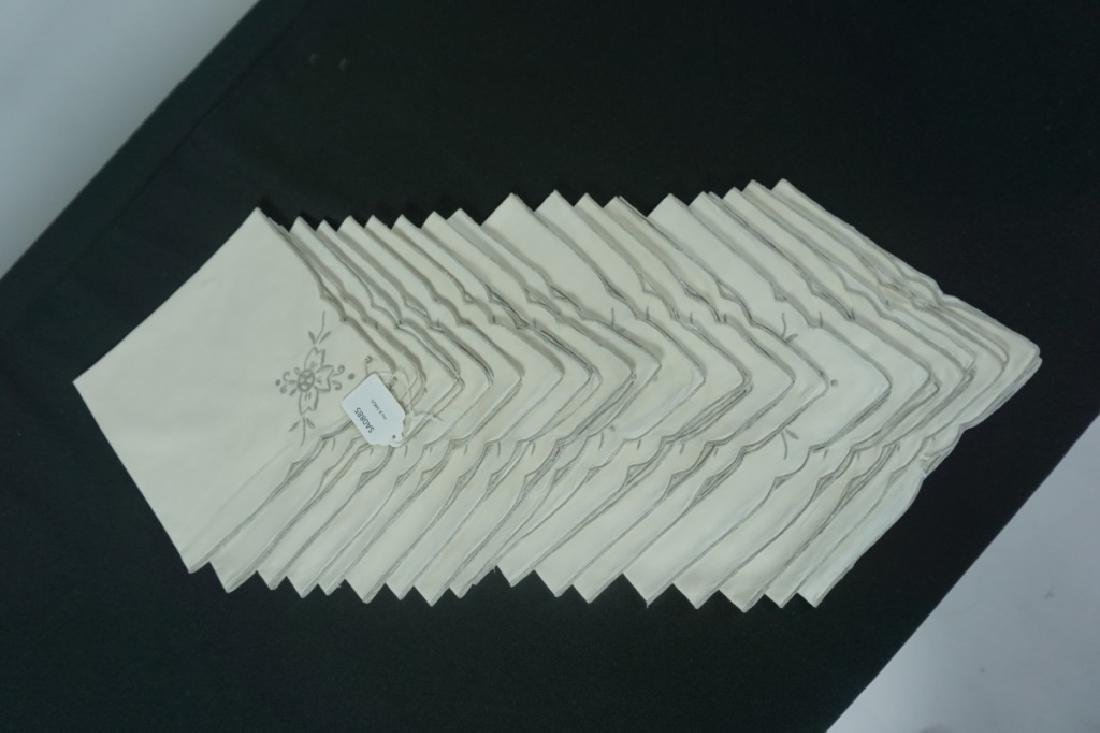 OPENWORK EMBROIDERED TABLE CLOTH & NAPKINS - 4