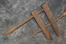 ANTIQUE WOODEN CLAMP - 2