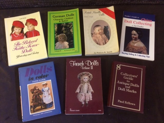 LOT OF 8 COLLECTIBLE DOLL BOOKS