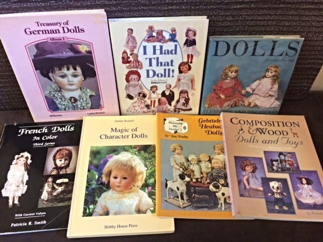 LOT OF 7 COLLECTIBLE DOLL BOOKS